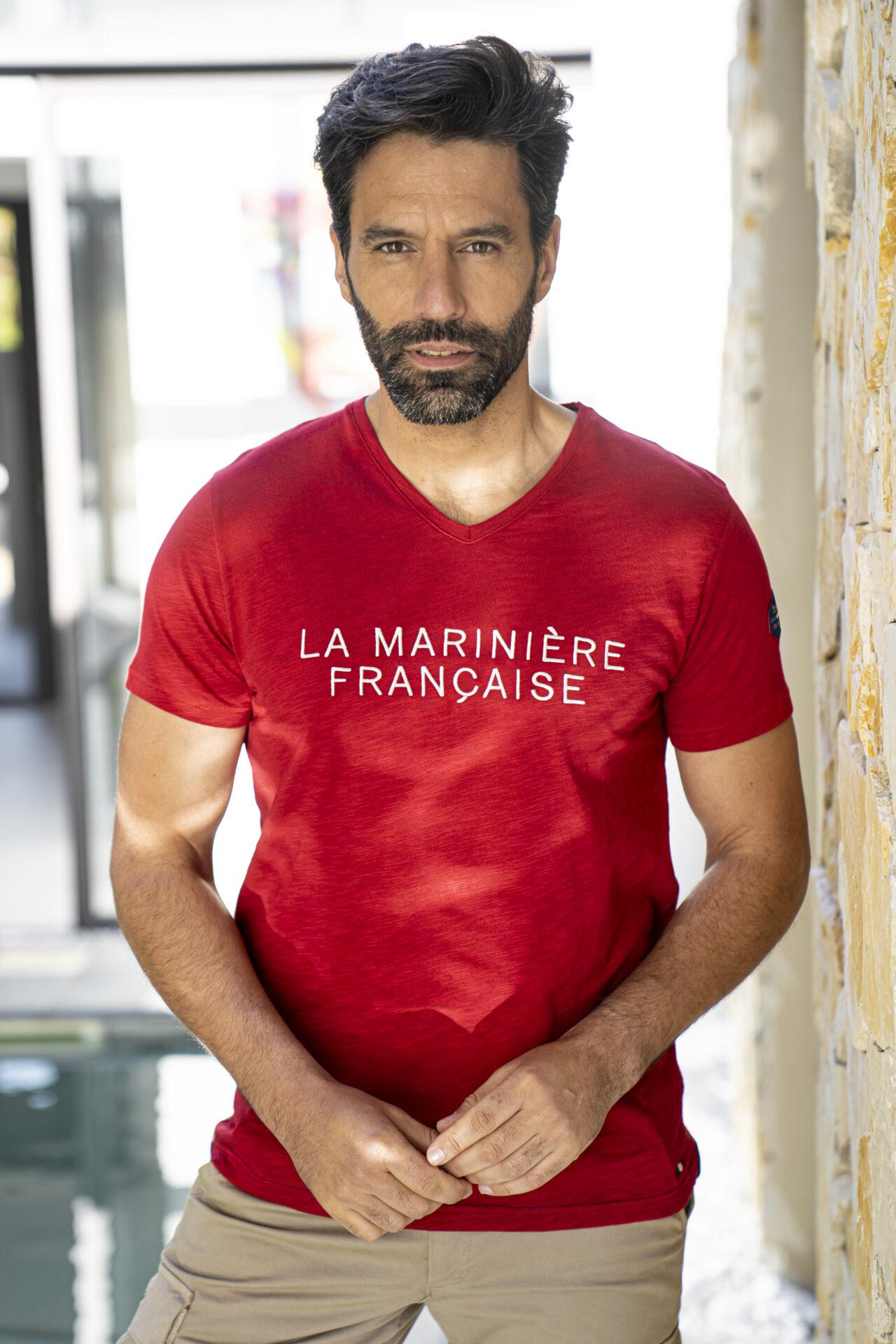 tee-shirt-homme-col-V